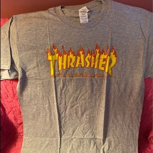 NEW IN PACKAGE Thrasher t-shirt Gildan Large